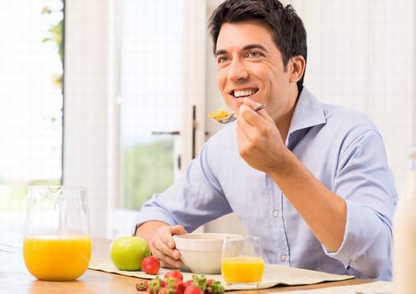 Người bệnh gan nhiễm mỡ cần chú ý ăn uống và sinh hoạt khoa học