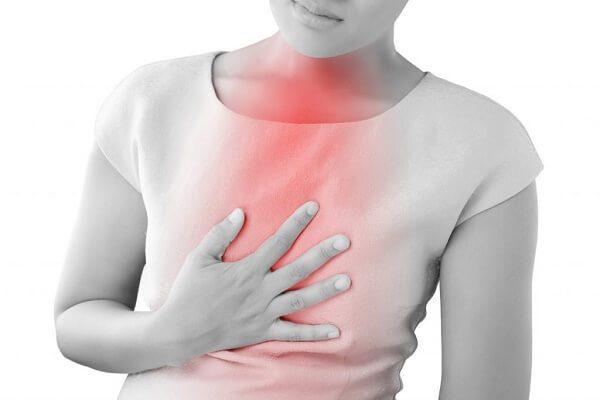 ợ nóng là một trong những triệu chứng có thể gặp ở bệnh nhân Barrett thực quản