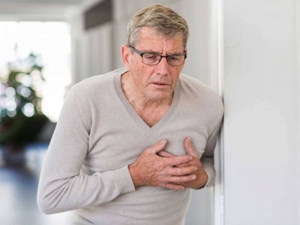 Khó thở, thở khò khè kéo dài có thể là dấu hiệu cảnh báo ung thư phổi