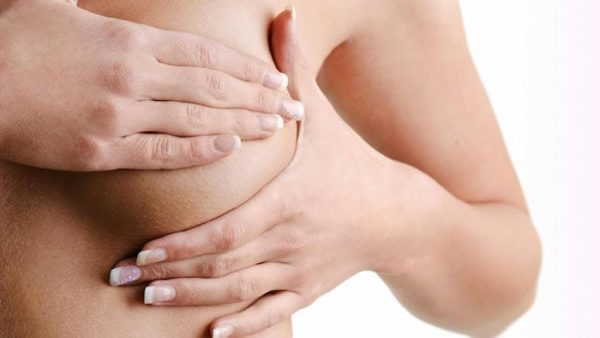 Các triệu chứng của khối u diệp thể là có khối u tại vú