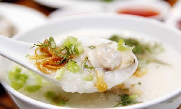 Sau mổ polyp đại tràng, người bệnh nên chú ý ăn uống những thực phẩm mềm, dễ tiêu hóa