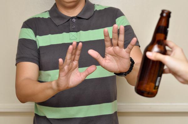 Việc thay đổi chế độ ăn uống và sinh hoạt, kiêng rượu bia cũng giúp khắc phục và cải thiện tình trạng tăng sản xuất tuyến tiền liệt