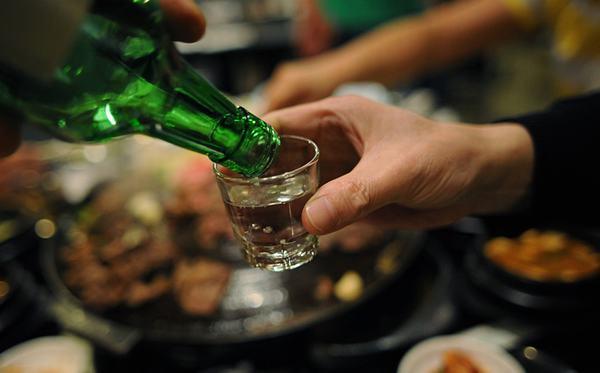 Những loại đồ uống có cồn cũng không tốt cho bệnh viêm loét dạ dày