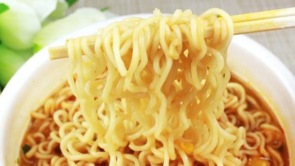 Những thực phẩm chế biến sẵn như mỳ ăn liền không tốt cho sức khỏe, làm tăng nguy cơ ung thư gan