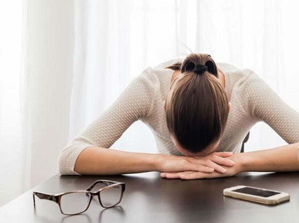 Mệt mỏi, khó chịu mơ hồ là một trong những biểu hiện thường thấy ở bệnh nhân ung thư gan