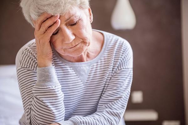 Đau đầu là một trong những biểu hiện ung thư di căn não thường gặp