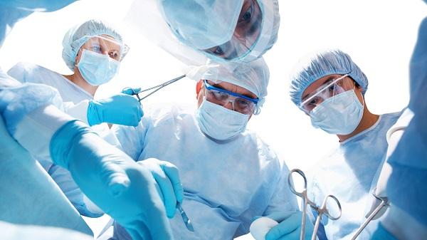 Phẫu thuật là một trong những phương pháp điều trị chính cho bệnh nhân ung thư dương vật