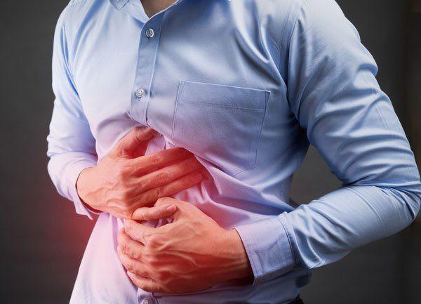 Ung thư gan giai đoạn cuối có biểu hiện rất phức tạp, đau bụng là triệu chứng thường gặp