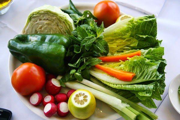 rau xanh và trái cây giúp giảm nguy cơ ung thư vú
