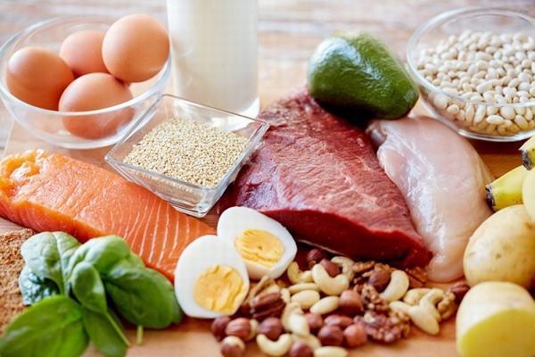 Người bệnh cần bổ sung các thực phẩm giàu protein trong thực đơn ăn uống hàng ngày