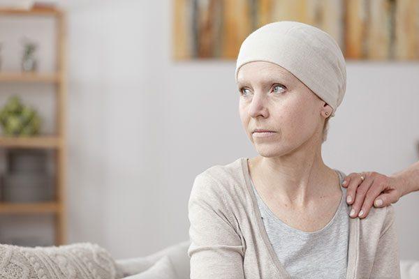 Cách giảm đau cho người ung thư phổi giai đoạn cuối