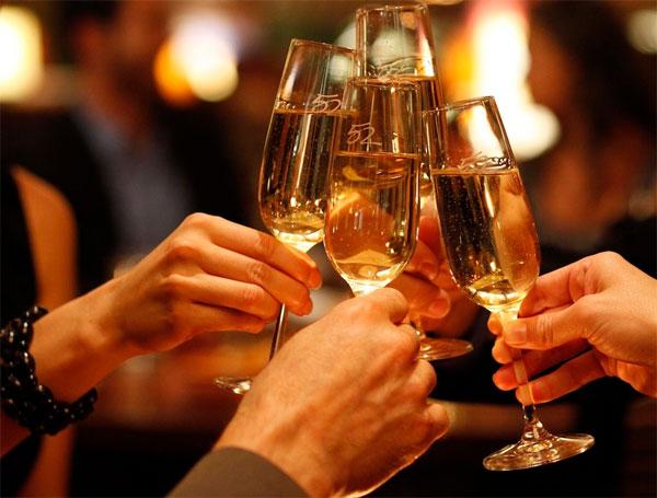 Rượu bia làm tăng nguy cơ mắc nhiều bệnh ung thư