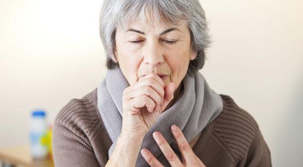 Ho là một trong những biểu hiện điển hình ở bệnh nhân ung thư phổi