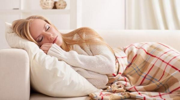 Trong quá trình điều trị bệnh, người bệnh cần chú ý nghỉ ngơi, nằm ngủ đúng tư thế