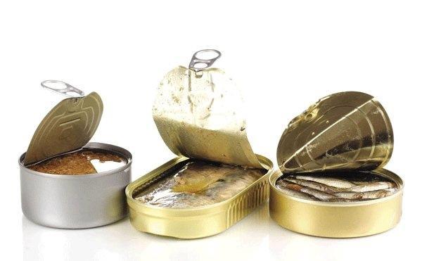 Người bệnh cũng nên tránh các thực phẩm đóng hộp, chế biến sẵn vì không có lợi cho sức khỏe
