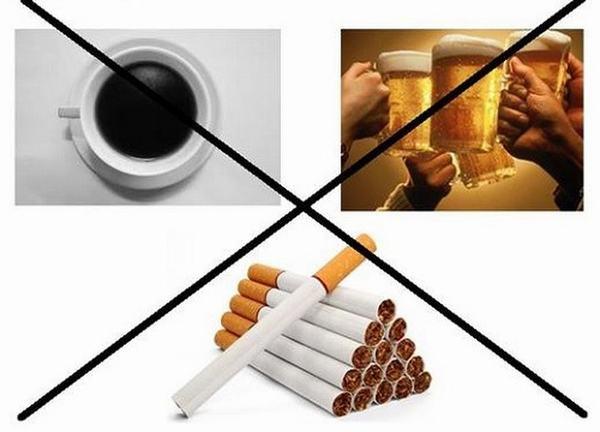 Kiêng các đồ uống chứa chất kích thích như rượu bia, thuốc lá... cũng giảm thiểu nguy cơ mắc ung thư