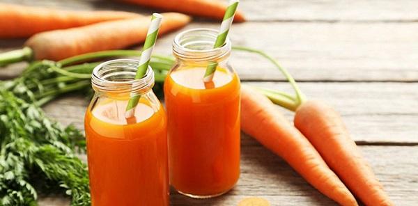 cà rốt giàu beta carotene chất chống oxy hóa giúp giảm nguy cơ ung thư bằng cách bảo vệ tế bào khỏe mạnh của cơ thể không bi tổn hại