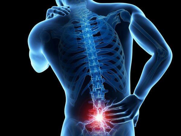 Đau xương là một trong những dấu hiệu điển hình ở bệnh nhân ung thư tuyến tiền liệt di căn xương