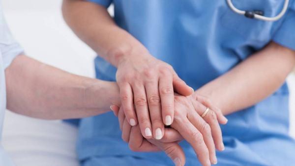 Người bệnh cần tuân thủ theo đúng phác đồ điều trị của bác sĩ nhằm giảm triệu chứng và cải thiện sớm bệnh