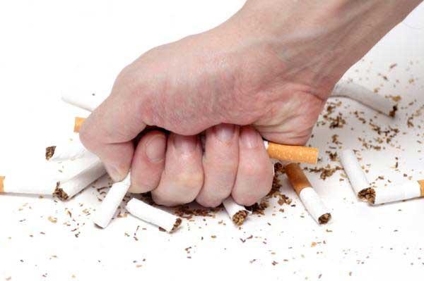 Nếu bạn đang hút thuốc, hãy bỏ thuốc trước khi quá muộn