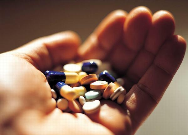 Đa số các trường hợp viêm đại tràng cần phải dùng thuốc tây y điều trị mới mang lại hiệu quả cao