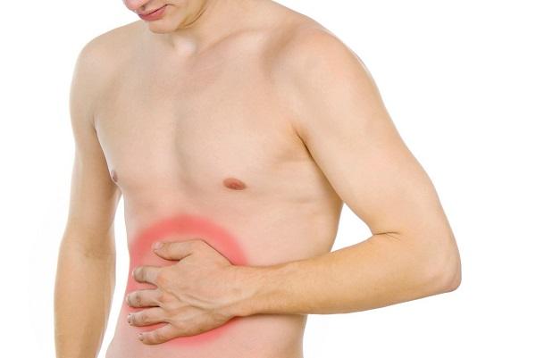 Khi bị viêm trực tràng, người bệnh sẽ thấy xuất hiện các triệu chứng như đau bụng, thường xuyên mót rặn...
