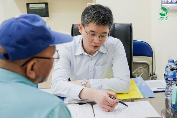 Nếu là ung thư dạ dày, khách hàng sẽ được tư vấn điều trị ung thư với chuyên gia ung bướu Singapore TS. BS Zee Ying Kiat