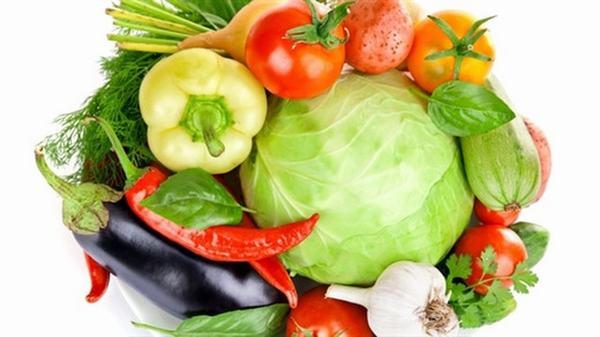 Tăng cường bổ sung rau xanh và các loại trái cây củ quả trong bữa ăn hàng ngày