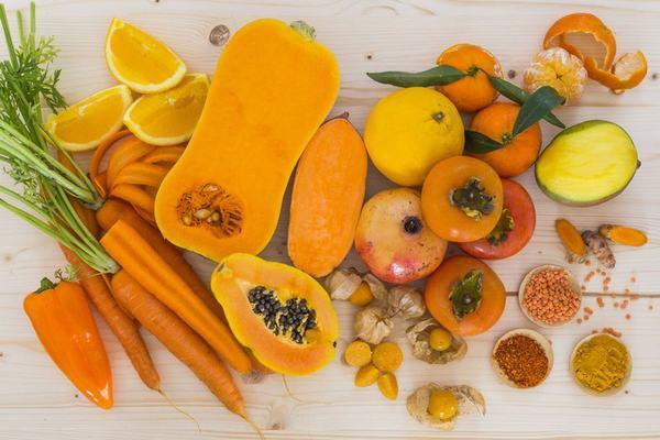 Beta carotene có nhiều trong các thực phẩm có màu vàng như cà rốt, bí ngô...