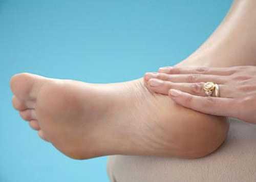 Sưng đau chân một bên dấu hiệu ung thư cổ tử cung ít người nghĩ tới.
