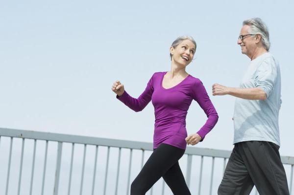 Thường xuyên vận động kết hợp với ăn uống khoa học có thể ngăn ngừa nguy cơ mắc ung thư