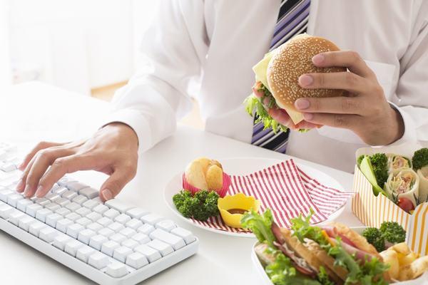Chế độ ăn uống khoa học làm tăng nguy cơ mắc ung thư đại trực tràng