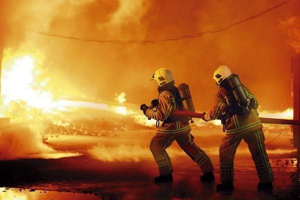 Nhân viên cứu hỏa cũng là một trong những nghề có khả năng mắc ung thư cao